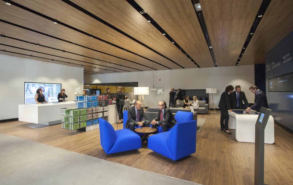 Coneix el nou disseny de l 39 oficina a i store de caixabank - La caixa oficines ...